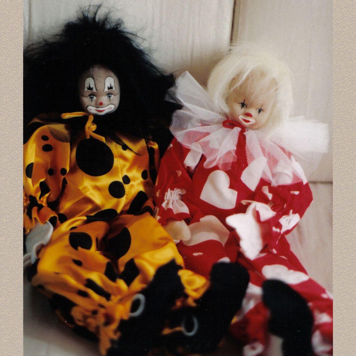 Clown und Puppen